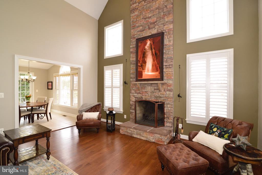 Wood Burning Fireplace! - 16333 LIMESTONE CT, LEESBURG