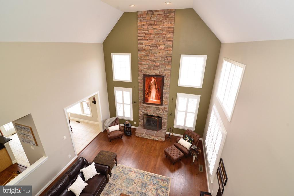 Two Story Stone Fireplace - 16333 LIMESTONE CT, LEESBURG