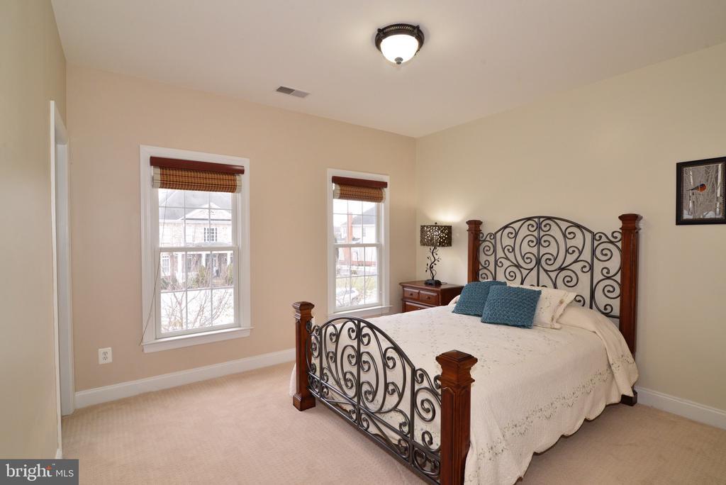 Guest Bedroom - 16333 LIMESTONE CT, LEESBURG