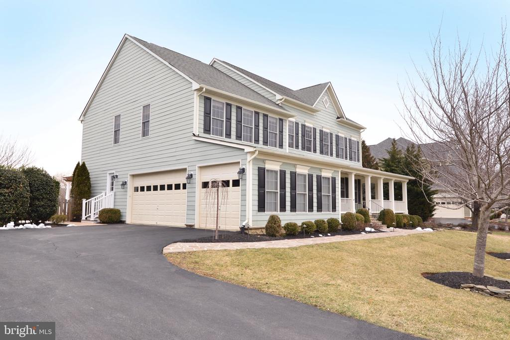 3 Car Garage! - 16333 LIMESTONE CT, LEESBURG