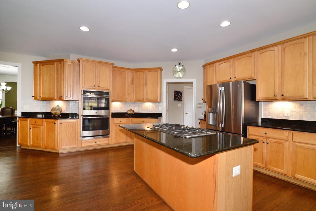 Double ovens! - 16333 LIMESTONE CT, LEESBURG