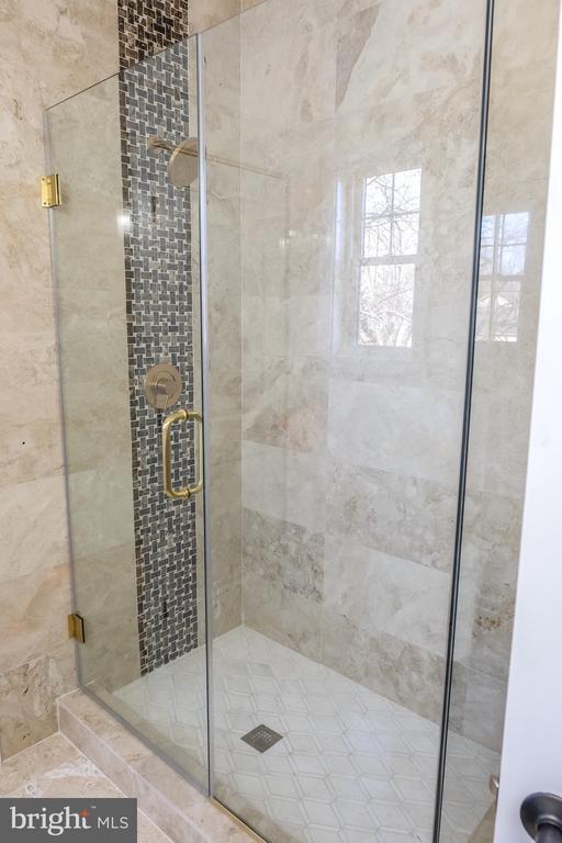 Marble Tile - 1812 N BARTON ST, ARLINGTON