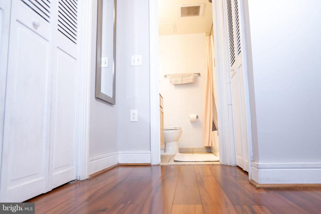 hallway - 800 4TH ST SW #S512, WASHINGTON