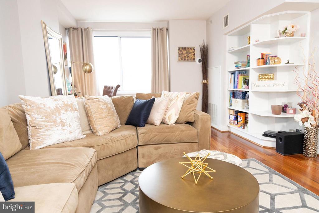 living room - 800 4TH ST SW #S512, WASHINGTON