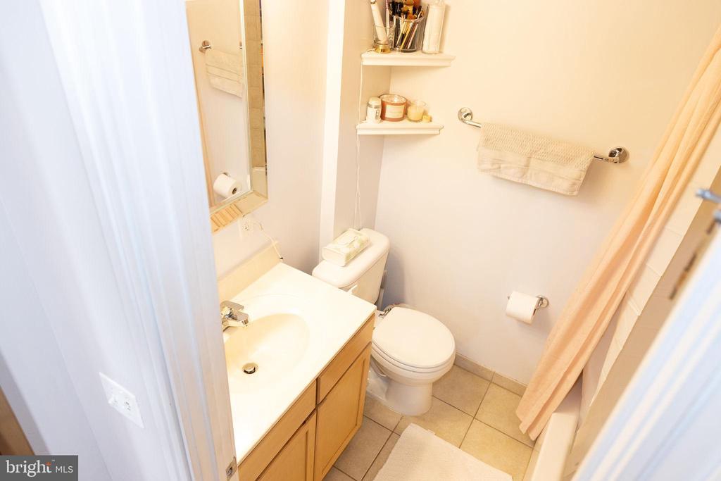 bathroom - 800 4TH ST SW #S512, WASHINGTON