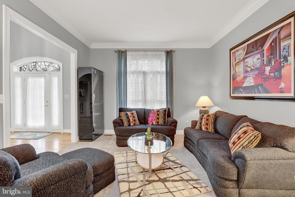 Elegant formal living room - 13890 LEWIS MILL WAY, CHANTILLY