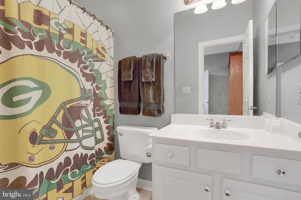 Bathroom 4 - 13890 LEWIS MILL WAY, CHANTILLY