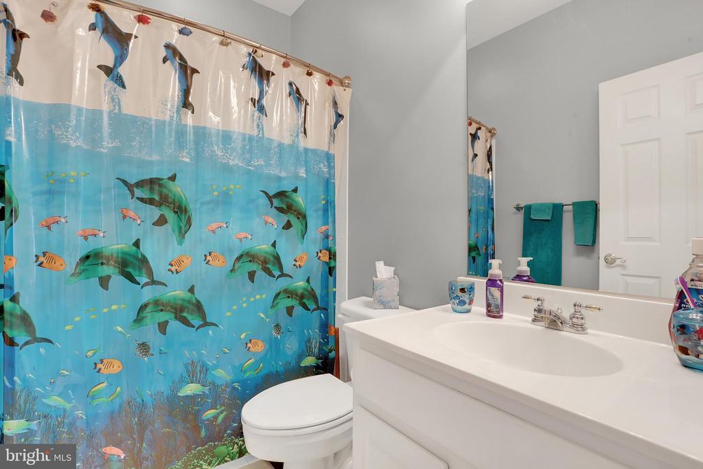 Bathroom 2 - 13890 LEWIS MILL WAY, CHANTILLY