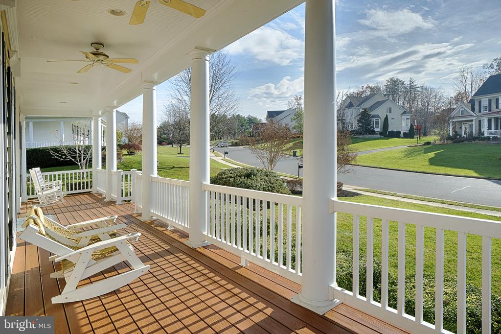Inviting large front porch. Perfect for relaxing. - 9004 ADAMS CHASE CIR, LORTON