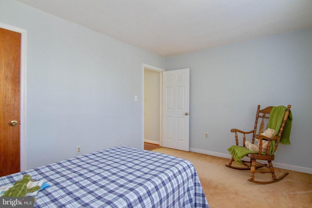 Bedroom waiting to make your own - 5 FAIRFIELD CT, STAFFORD