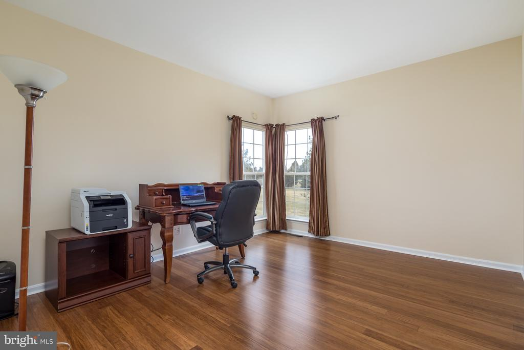 First floor study/home office - 11108 STAINSBY CT, BRISTOW