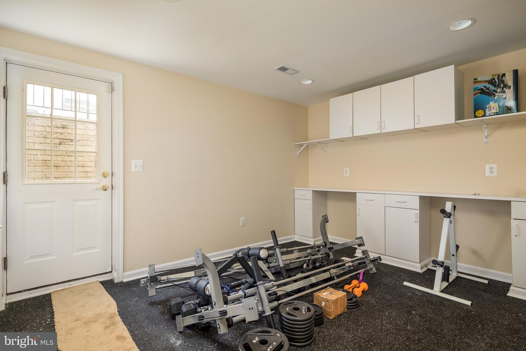 Mudroom/home gym - 11108 STAINSBY CT, BRISTOW