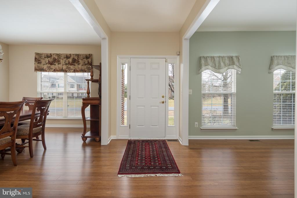 Open entryway - 11108 STAINSBY CT, BRISTOW