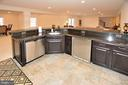 LOWER LEVEL WET BAR - 42072 MANSFIELD PARK CT, CHANTILLY