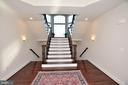 BEAUTIFUL SPLIT STAIRCASE - 42072 MANSFIELD PARK CT, CHANTILLY