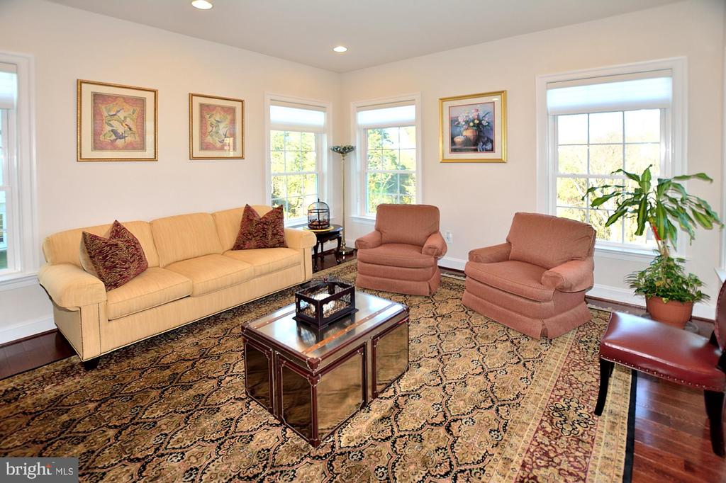 FLORIDA/SUN ROOM - 42072 MANSFIELD PARK CT, CHANTILLY