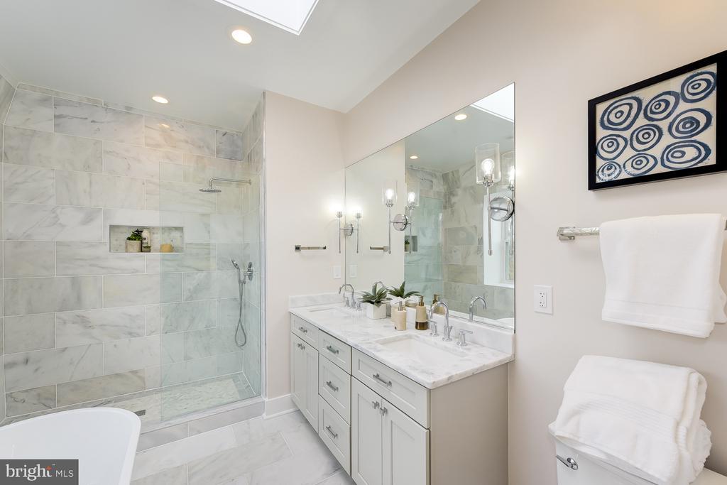 Master Bathroom - 4324 14TH ST NW #UNIT 2, WASHINGTON