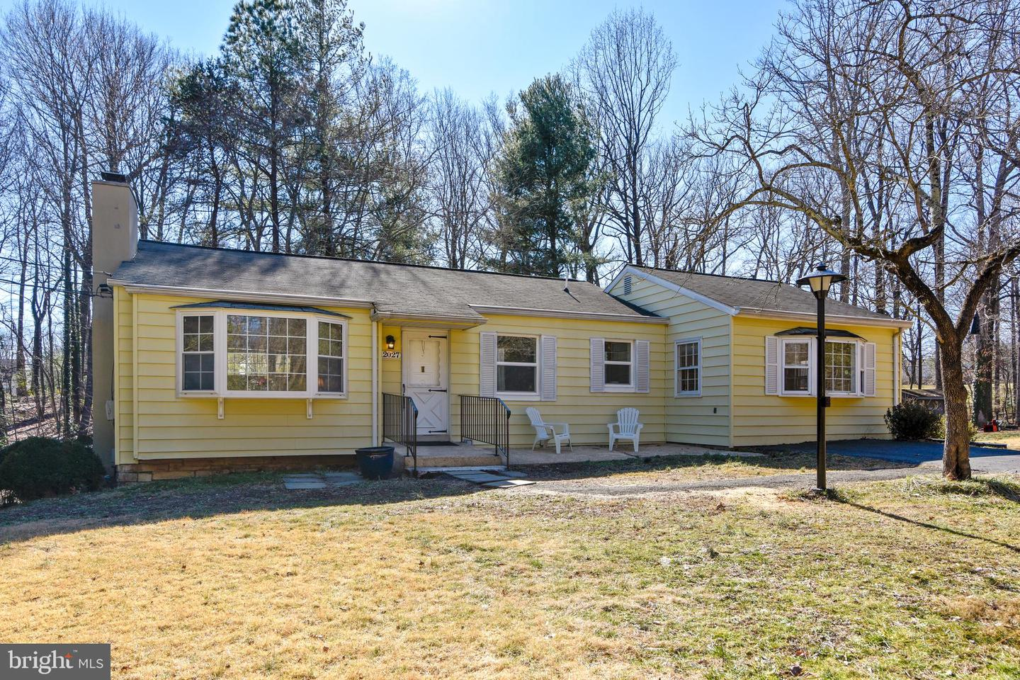Single Family for Sale at 12027 Waples Mill Rd Oakton, Virginia 22124 United States