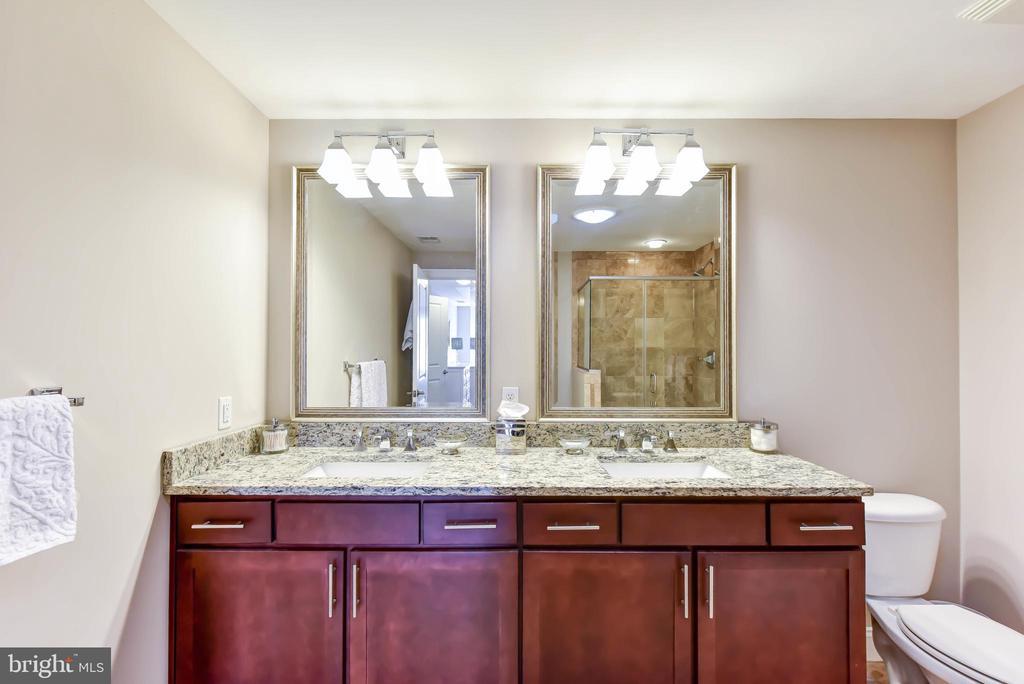 Master Bath with Granite Counters - 6301 EDSALL RD #621, ALEXANDRIA