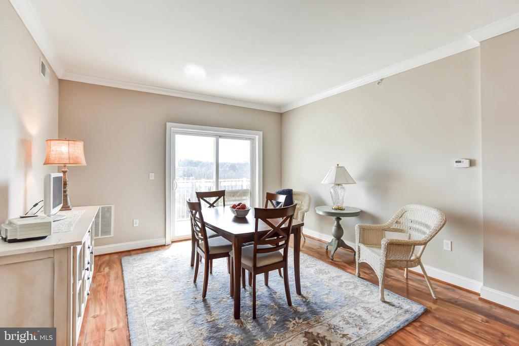 Living/Dining with Sliding Glass Door to Balcony - 6301 EDSALL RD #621, ALEXANDRIA