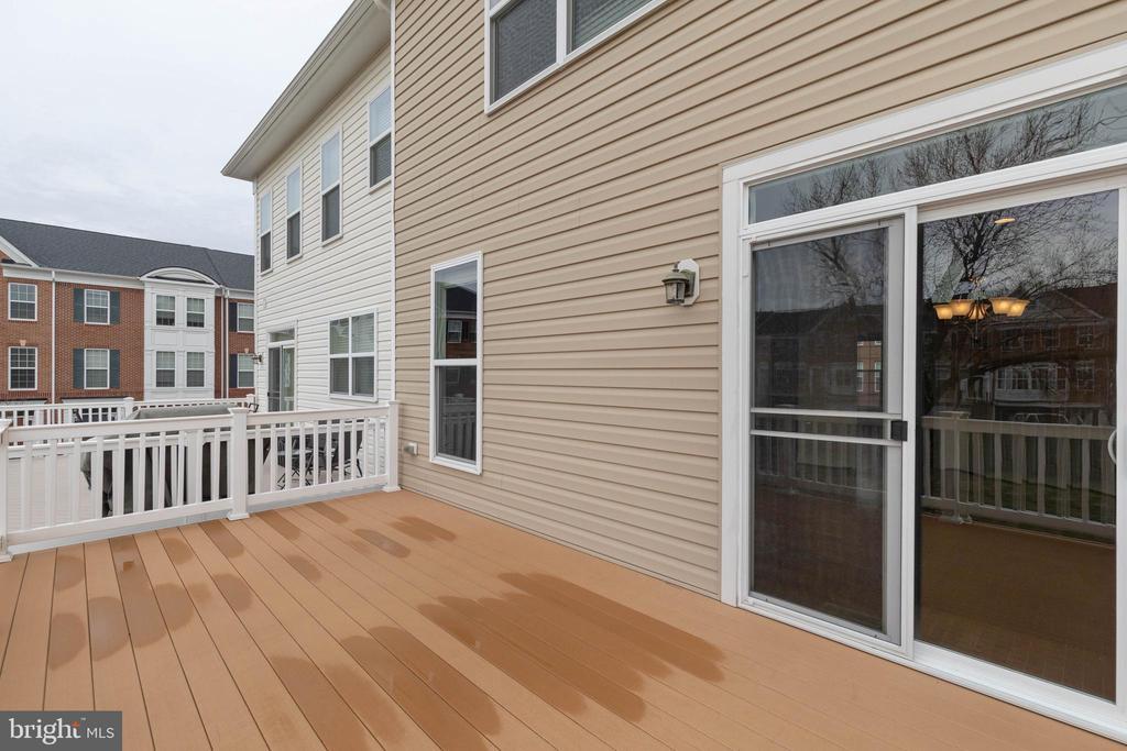 Big deck ! - 6255 CASDIN DR, ALEXANDRIA