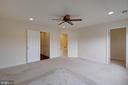 Master bedroom w/ ceiling fan and walk-in closet - 6255 CASDIN DR, ALEXANDRIA