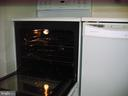 Kitchen stove and dishwasher - 125 S CLUBHOUSE DR SW #8, LEESBURG