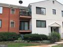- 125 S CLUBHOUSE DR SW #8, LEESBURG