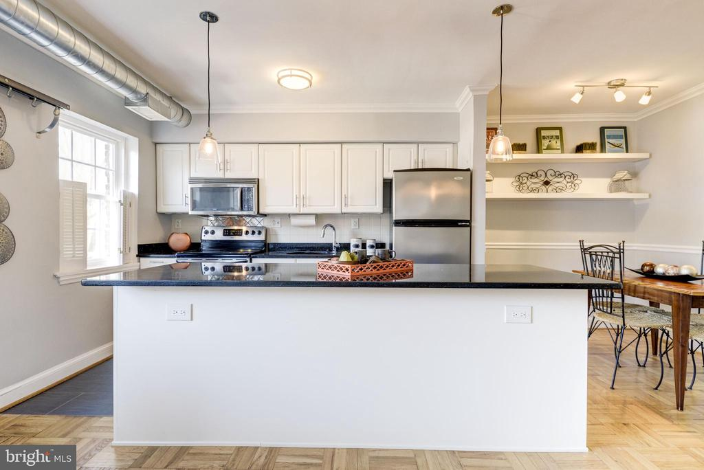 Open, modern kitchen - 1315 N ODE ST #722, ARLINGTON