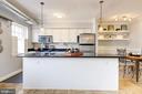 Open, modern kitchen - 1315 N ODE ST #722, ARLINGTON
