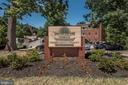 Just a few minutes away from the Rosslyn Metro! - 1315 N ODE ST #722, ARLINGTON