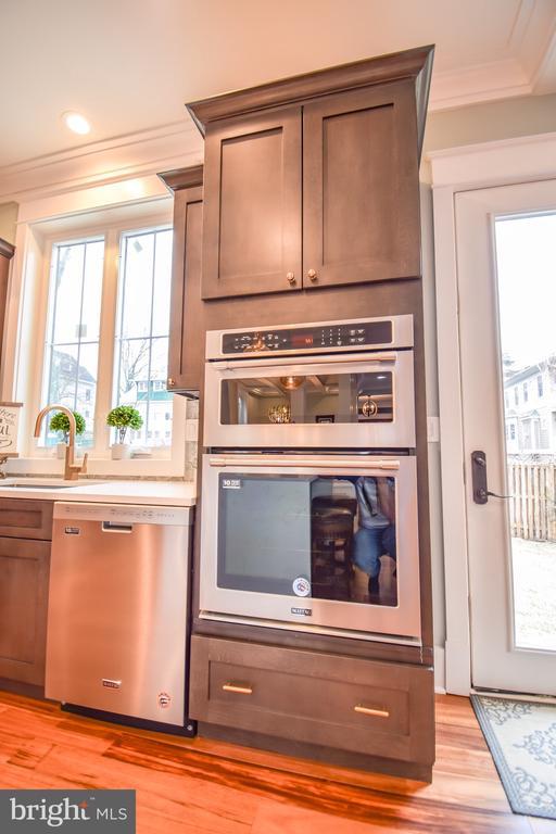 Stainless Steel appliances - 1812 N BARTON ST, ARLINGTON