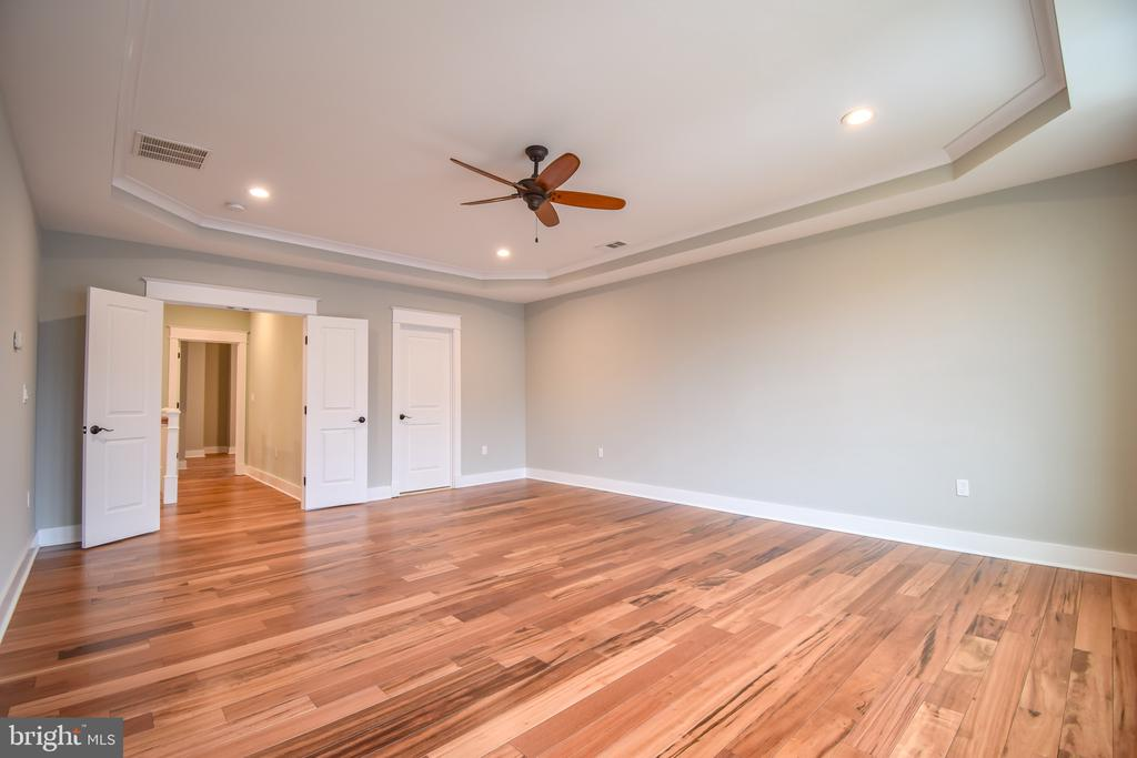 Owner's suite - 1812 N BARTON ST, ARLINGTON