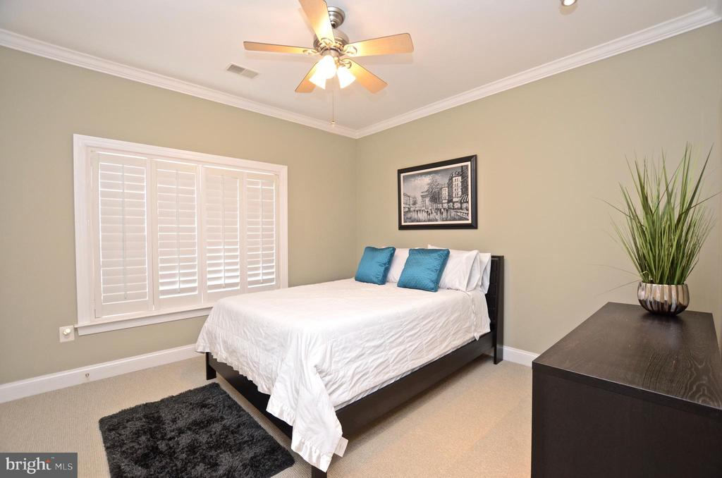 Bedroom  3 - 22764 HIGHCREST CIR, BRAMBLETON