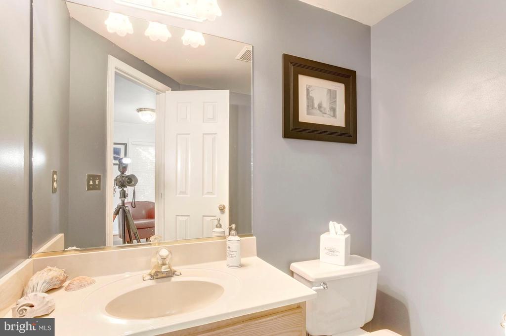 Main-level Half Bath - 6606 FORSYTHIA ST, SPRINGFIELD