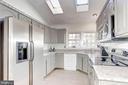 Kitchen - 6606 FORSYTHIA ST, SPRINGFIELD