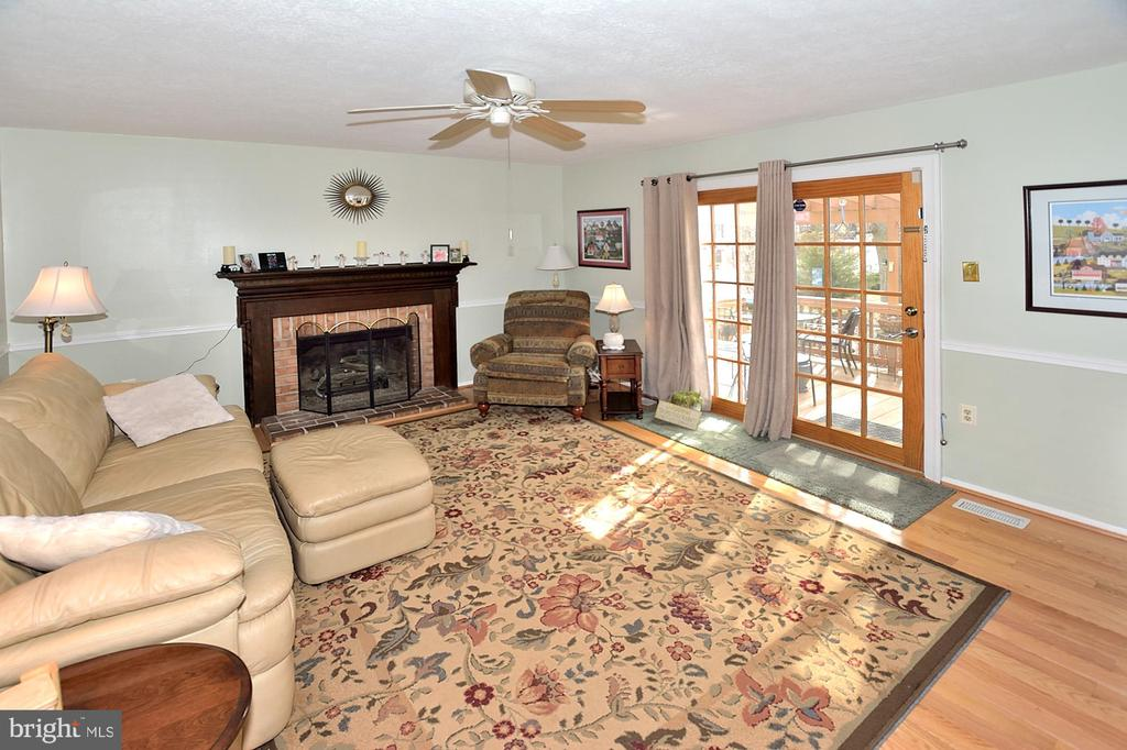 French door to back deck - 15700 CRANBERRY CT, DUMFRIES