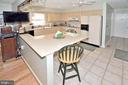 Kitchen with breakfast bar - 15700 CRANBERRY CT, DUMFRIES