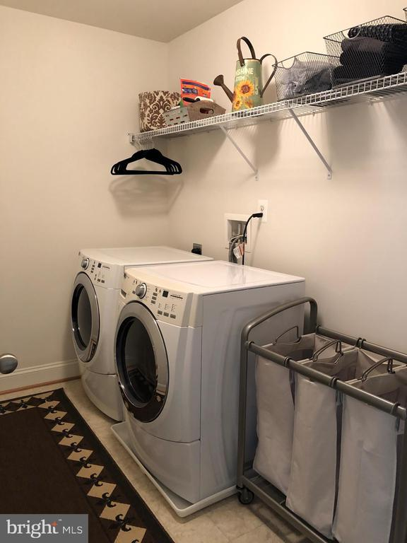 Upper Level Laundry - Washer & Dryer Convey - 10901 DEER MEADOW CT, NOKESVILLE
