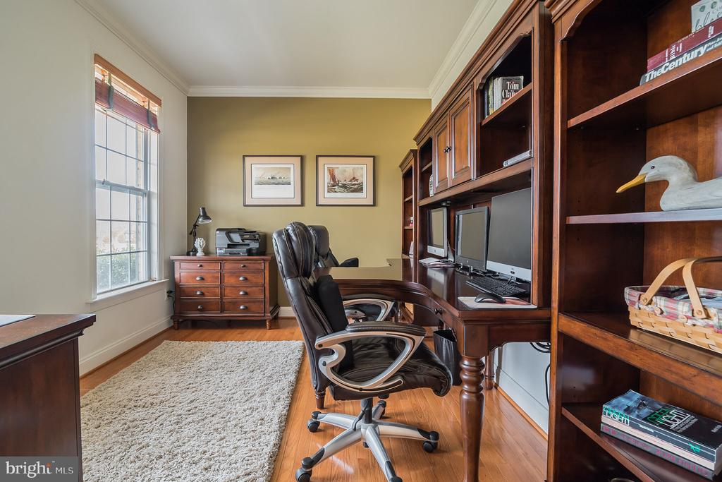 Light Filled Study - 10901 DEER MEADOW CT, NOKESVILLE