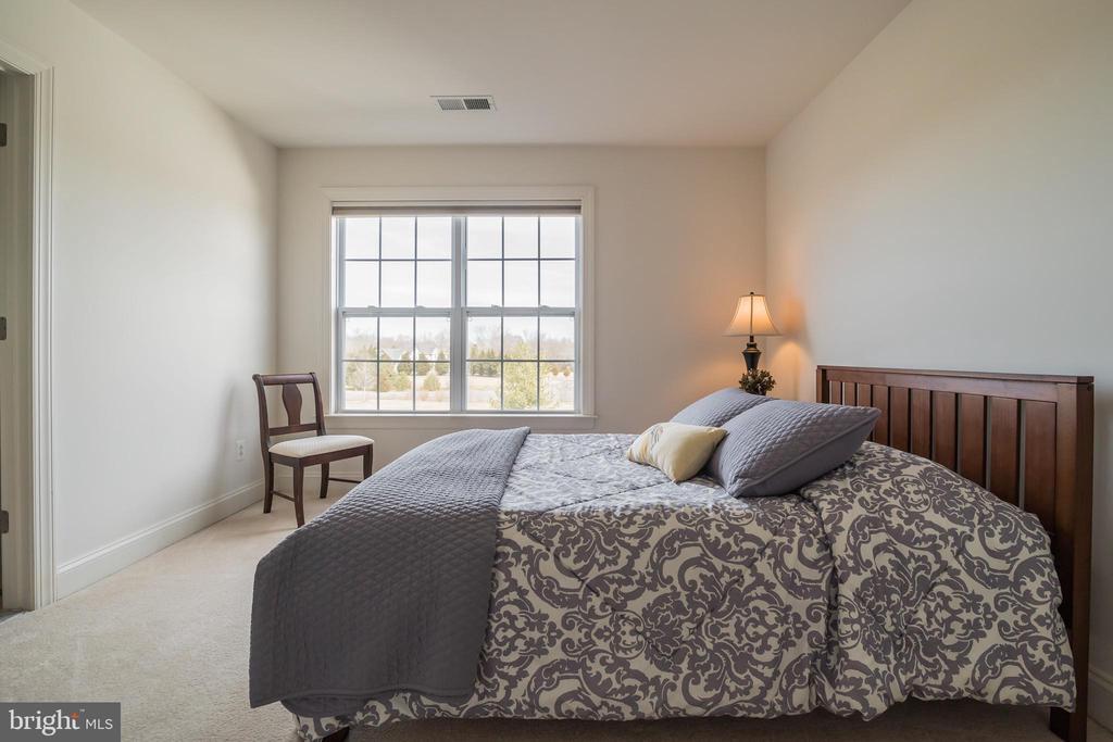 Bedroom 2 - Jack & Jill Bath adjoins - 10901 DEER MEADOW CT, NOKESVILLE