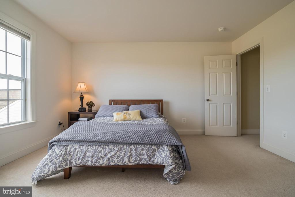 Bedroom 2  with Walk-in Closet - 10901 DEER MEADOW CT, NOKESVILLE