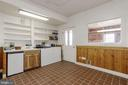 Heated tackroom with bathroom/laundry - 36913 PAXSON RD, PURCELLVILLE