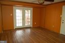 Family room - 7003 SOULIER LN, FREDERICKSBURG