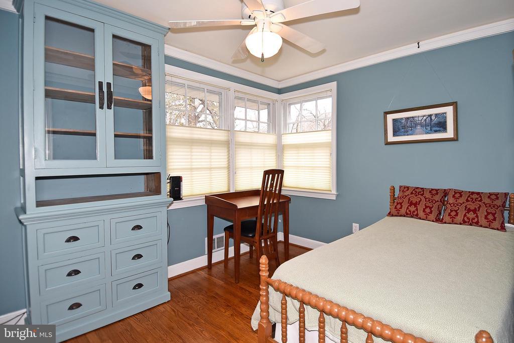 3rd Bedroom with Ceiling Fan - 2259 N WAKEFIELD ST, ARLINGTON