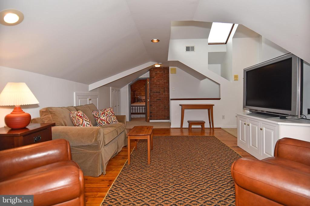 Media Room with view of 4th Bedroom - 2259 N WAKEFIELD ST, ARLINGTON