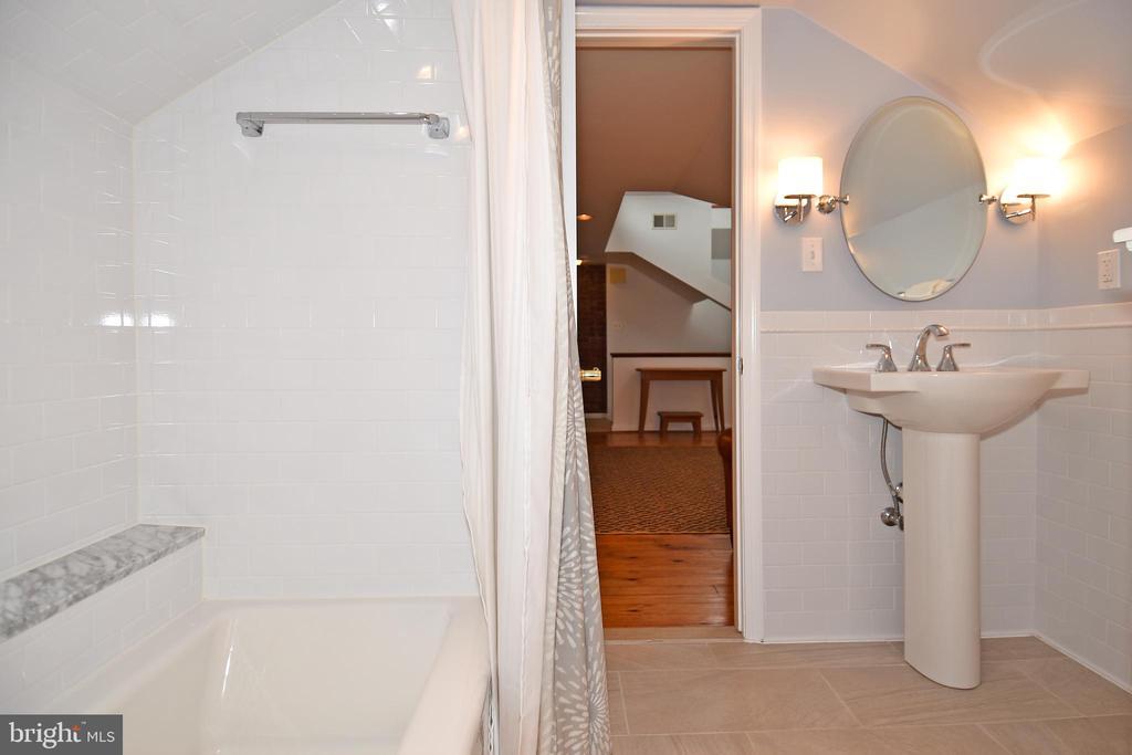 Master Bath - 2259 N WAKEFIELD ST, ARLINGTON