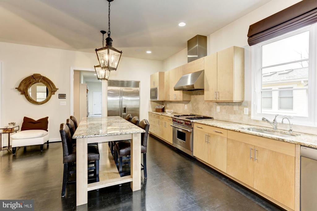 wolf stove and microwave/convection oven - 208 MCHENRY ST SE, VIENNA