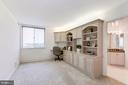 Bedroom 2 w/Built-Ins - 5809 NICHOLSON LN #811, ROCKVILLE