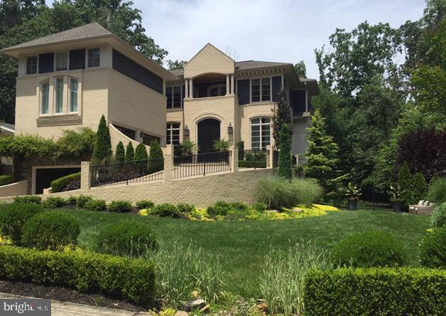 Wallace Neff inspired Custom Home - 208 MCHENRY ST SE, VIENNA